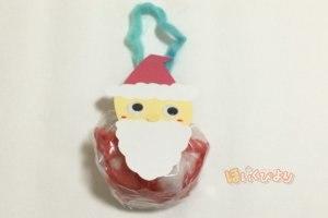 クリスマスの製作でサンタさんの完成写真