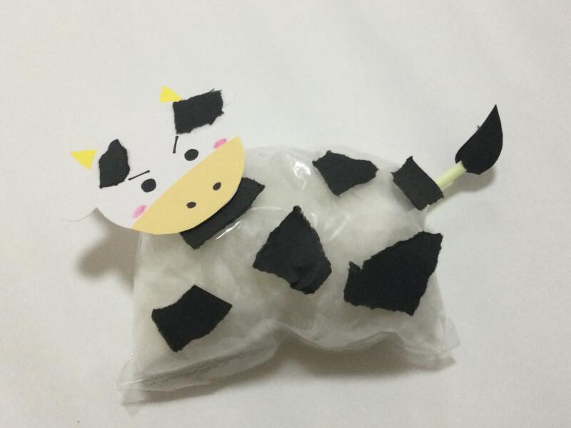 正月の製作で牛の完成写真